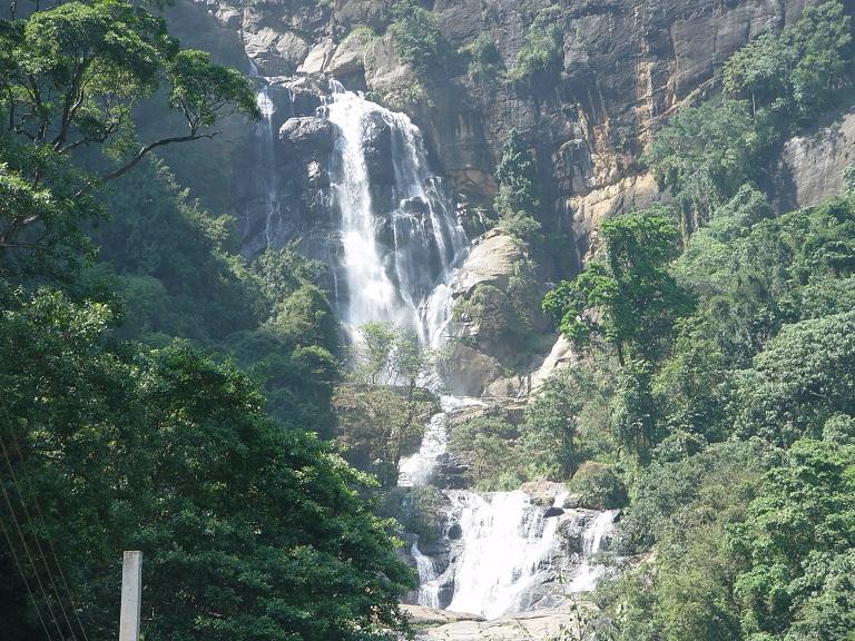 Bopath Ella Waterfall