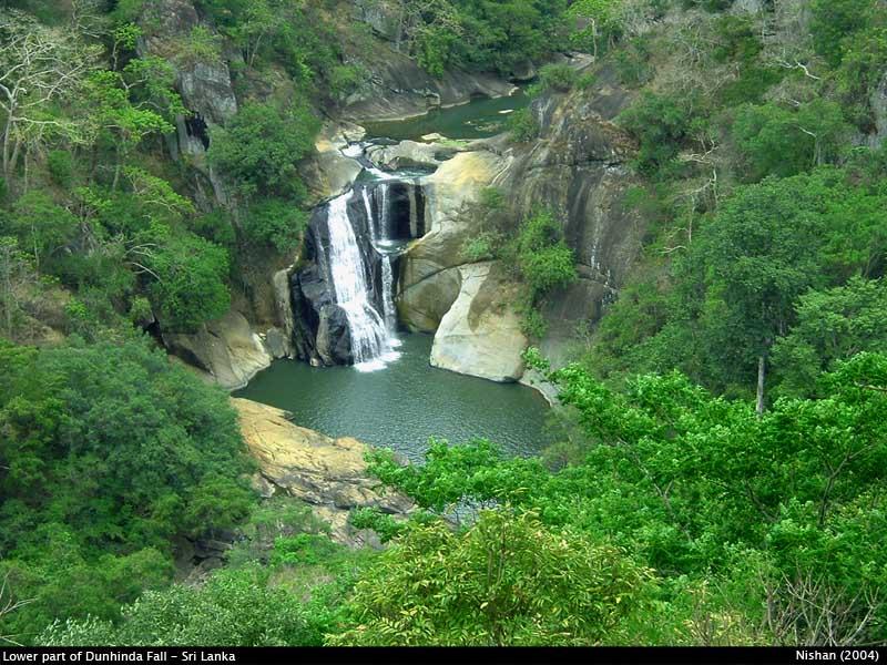 Dunhinda Waterfall