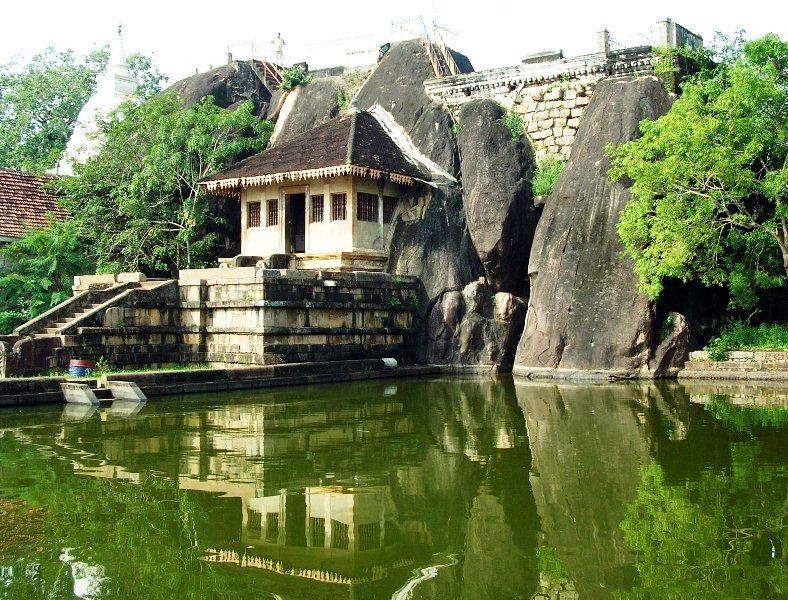 5.Visit to Isurumuniya Rock Temple