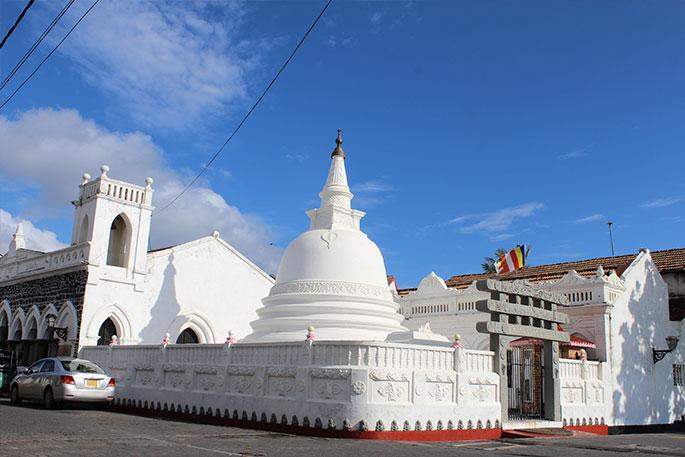 Visit religious sites in galle